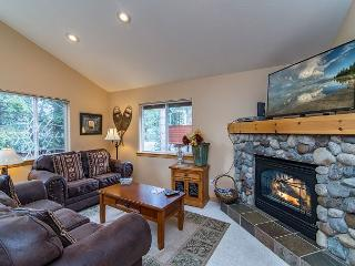 Light-Filled & Charming North Lake Tahoe Home – Minutes From Kings Beach