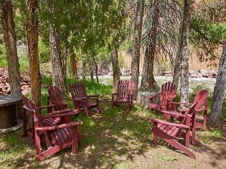 Snowmass Cottage on the Roaring Fork – Authentic & Welcoming