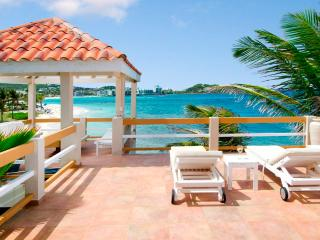 3BR oceanfront villa w/private pool & direct beach access - Bell'Mare - Remax IP