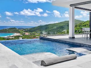 Crystal - Ideal for Couples and Families, Beautiful Pool and Beach, Philipsburg