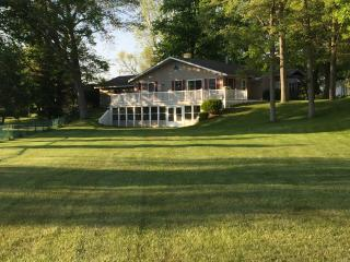 Lake house rental, Three Rivers