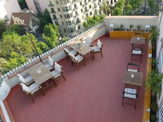 BEAUTIFUL 5 BED´S ROOM IN DREAM APARTMENT, Barcelona
