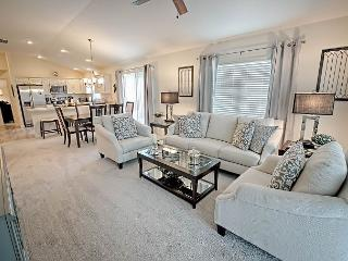 Brand new stunningly decorated courtyard villa in Pine Ridge., The Villages