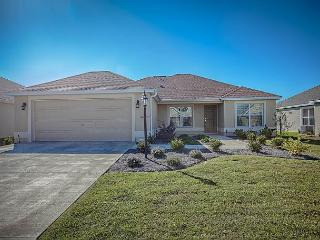 Beautiful Allamanda Model near Brownwood Paddock Square, The Villages