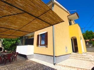 House 9452, Premantura