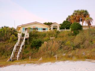 Beach-Front Family House on Quiet Street Sleeps 13