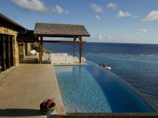 Amazing 4 bedroom villa at Oil Nut Bay - ***CONTACT US NOW FOR THE BEST RATES***, Gorda Peak National Park