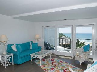 3BR/3BA Oceanfront Condo w/ Elevator.  NEWLY REMODELED FOR 2016!, Pine Knoll Shores