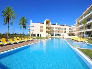 Luxury 2 bedroom apartment with golf and sea views, Vilamoura