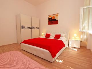 Apartment 9443, Rabac