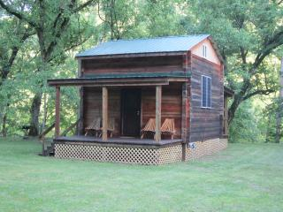 H & P Cabins,secluded River Retreat Cabin, Beattyville