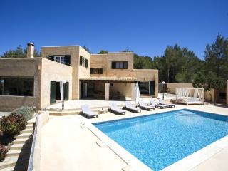 Fantastic 12pax villa nice views over Sant Antoni, Sant Josep de Sa Talaia
