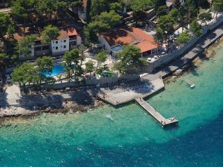 Lumbarda Resort Apartment