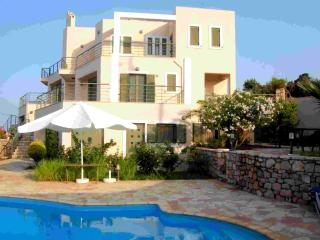 Villa Louisa - 2 bedroom apartment, Monemvasia