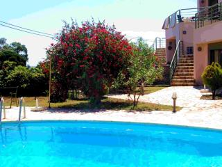 Villa Louisa - 2 level apartment, Monemvasia