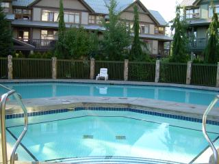Stoney Creek Northstar - Pool & Shared Hot Tub