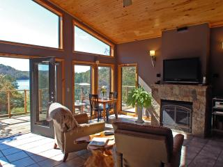 Beaver Lakefront Cabin - Upscale, Secluded Luxury, Eureka Springs