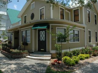 Maison En Ville - Suite 5 (Tamarind)