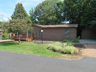 Bring 10 People and Enjoy a 3 BR 2 BA Island Club Home at Put-in-Bay Ohio, Put in Bay