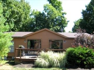 Take a Break and Visit Put-in-Bay! 3 BR 2 BA Villa in Island Club - Sleeps 8