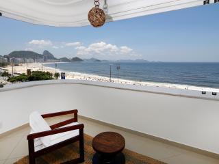 Rio131 - Apartment in Copacabana Beach front