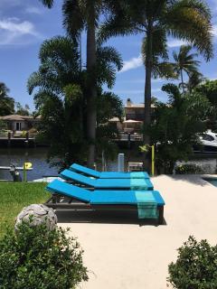 Floridian Design waterfront villa North Miami