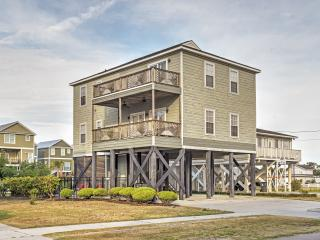 New Listing! Spacious & Alluring Murrells Inlet House w/Wifi, Multiple Decks & Private Gated Pool! Terrific Views & Great Location - Walking Distance to Garden City Pier & 1 Min from the Ocean!