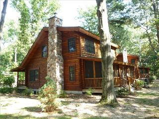 Enoy Our Beautiful, Spacious & Clean Cabin, Saugatuck