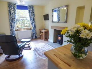 LITTLE WENLOCK stone-built cottage, close to town amenities, WiFi, open plan, in Skipton Ref 933185