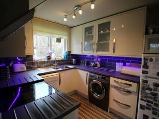 HOWGILL APARTMENT, Windermere, Bowness-on-Windermere