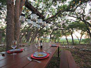 HILLTOP HIDEAWAY AND BUNKHOUSE COMBO - Wimberley
