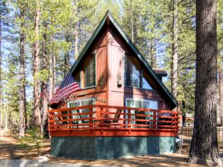 'The Pines on Pioneer' Impressive A-Frame Style 3BR South Lake Tahoe House w/Wifi, Foosball Table & Fenced-In Dog Run – Only 5 Minutes from Heavenly Ski Resort!