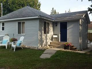 Blue Bay is a Cozy 3 Bedroom Cottage, Sauble Beach