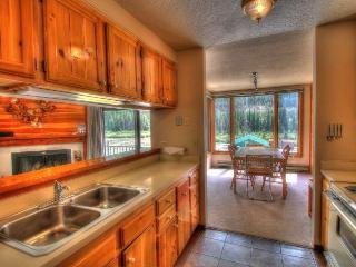 Kitchen - This unit is a studio, but has a full sized kitchen.