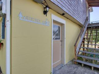 Charming, modern home w/ full kitchen, close to the beach!, Rockaway Beach