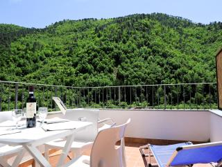Panoramic 2 bedrooms flat with balcony and terrace, Pigna