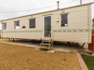 Ref 13002 Lees Holiday Park in Hunstanton by the beach - Cosy and comfortable.