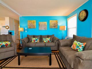 Island Time- Beautiful 3 Bedroom Oceanfront House, Carolina Beach