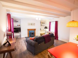 Newton Cottage: beautiful one bedroom self-catering cottage in the Borders