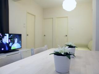 2 BR Apartment, Fortress Hill, HK