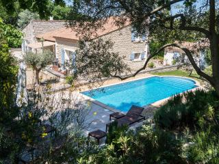Spacious villa close to town, quiet and private., Saint-Rémy-de-Provence
