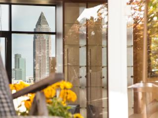 penthouse @fair, skyline, roofgarden 2 bathrooms, Frankfurt