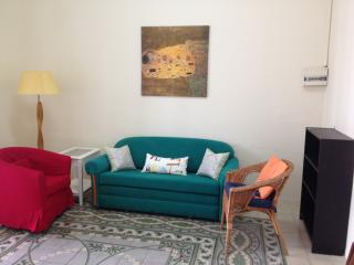 Fully-furnished 1 BR in Heart of the German Colony, Jerusalém