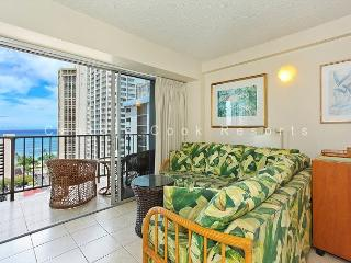 Ocean View, central AC, 5 min. walk to beach!  Sleeps 3., Honolulu
