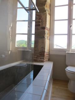 Chambre Pigeonnier. La salle de bains.