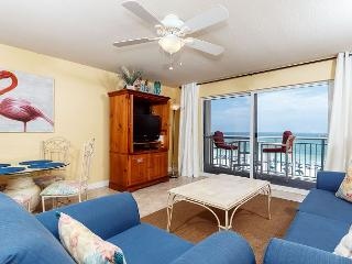 PI 406:TAKE A LOOK!THE PERFECT BEACH RETREAT!UPSCALE 1BR/2BA BEACH FRONT unit
