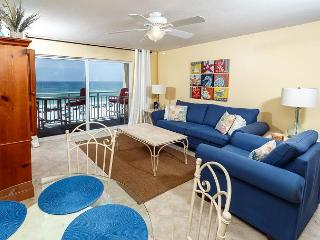 Cute and cozy beach front living room with great decor and comfo