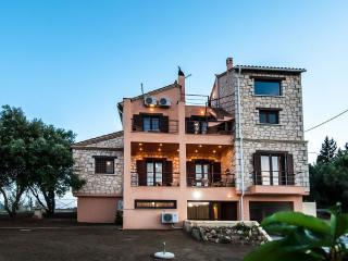 Villa Leto - 5 Bedroom Villa in Akrotiri Zakynthos