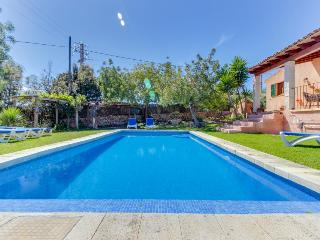 Gorgeous, secluded estate w/ private pool, beautiful garden, Sa Coma