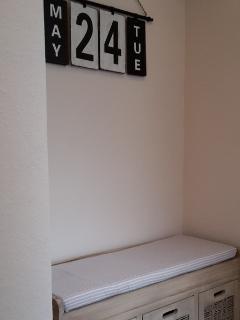 Garderobe mit Sitzgelegenheit